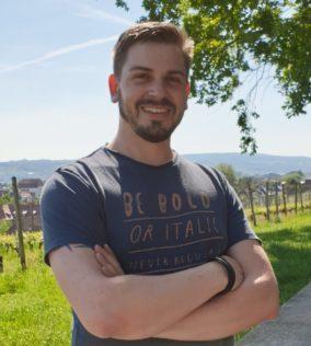 Dominik Gerspacher - Geschäftsführer und Gründer von Media Lab, Grafik, Screen